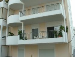 2001 > 5-όροφη πολυκατοικία διαμερισμάτων
